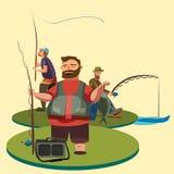 O pescador feliz está e guarda a vara de pesca disponivel com giro e captura de peixes, o saco com rotação do fishman e o equipam Fotografia de Stock
