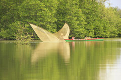 O pescador local, alarga o parque nacional, Camboja Imagem de Stock Royalty Free