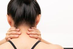 O pesco?o e o ombro das jovens mulheres causam dor a ferimento, a cuidados m?dicos e ao conceito m?dico imagem de stock royalty free
