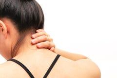 O pesco?o e o ombro das jovens mulheres causam dor a ferimento, a cuidados m?dicos e ao conceito m?dico fotografia de stock