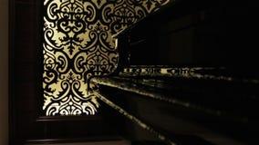 O piano de cauda preto filme