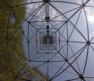 O pilão do cabo aéreo que conecta as cidades do albino e do Selvino fotografia de stock royalty free
