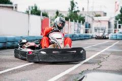 O piloto de Karting na ação, vai competição do kart Fotos de Stock