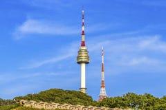 O pináculo da torre de N Seoul, ou torre de Namsan em Seoul, Coreia do Sul fotos de stock
