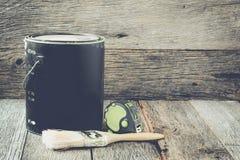 O pincel com pintura pode e filtro de medição do estilo de Instagram da fita Fotos de Stock Royalty Free