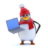o pinguim do inverno 3d tem um PC novo do portátil para mostrá-lo Fotos de Stock Royalty Free