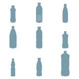 O plástico engarrafa ícones Imagens de Stock
