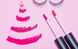 O plano da beleza do ano novo do Natal coloca o compositi da opinião superior dos cosméticos Fotografia de Stock Royalty Free