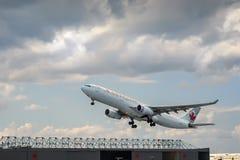 O plano de Air Canada decola Imagens de Stock Royalty Free