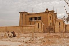 O platô de giza no deserto de sahara Grandes pirâmides fotografia de stock