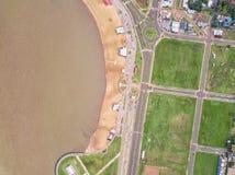O Playa San Jose em Encarnacion em Paraguai de uma opinião de olho de pássaro fotos de stock royalty free