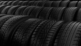 O pneumático do carro roda a luz do preto da noite do armazenamento vídeos de arquivo