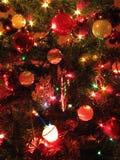 O poço decorou a árvore de Natal Imagens de Stock