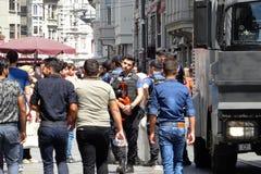 O polícia turco durante a demonstração imagens de stock