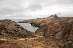 O Ponta bonito de Sao Lourenco da fuga popular trekking, caminhar e andar na ilha de Madeira foto de stock