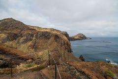 O Ponta bonito de Sao Lourenco da fuga popular trekking, caminhar e andar na ilha de Madeira imagem de stock royalty free