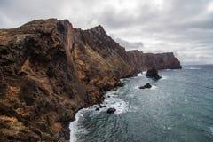 O Ponta bonito de Sao Lourenco da fuga popular trekking, caminhar e andar na ilha de Madeira imagem de stock