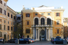 O Pontifical Biblical Institute em Roma fotos de stock
