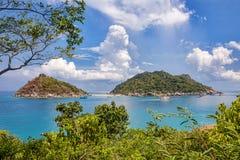 O ponto de vista da parte superior da montanha para considera a praia Foto de Stock Royalty Free
