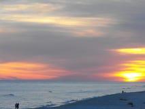 O por do sol brilhante da praia, golfo suporta, Alabama Fotos de Stock Royalty Free