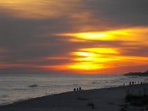 O por do sol brilhante da praia, golfo suporta, Alabama Imagens de Stock