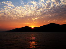 O por do sol em Hong Kong fotografia de stock royalty free