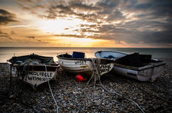 Por do sol do barco de pesca foto de stock royalty free