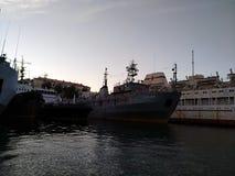 O por do sol do mar de Criema nubla-se a beleza bonita da viagem da recreação imagens de stock