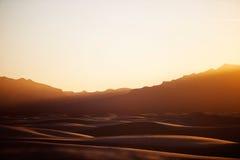 O por do sol no branco lixa o monumento nacional Imagens de Stock Royalty Free