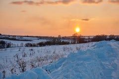 O por do sol no lado do país Imagem de Stock