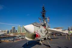 O porta-aviões histórico, USS intermediário fotos de stock
