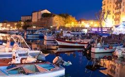O porto da noite imagens de stock royalty free