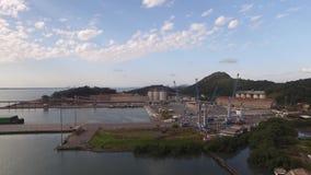 O porto da vista aérea de Sao Francisco faz a cidade do sul Santa Catarina Em julho de 2017 video estoque