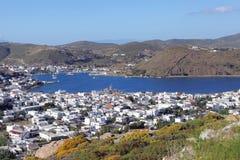 O porto de Skala na ilha de Patmos imagem de stock royalty free