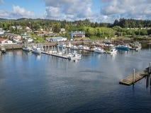 O porto na baía de Depoe, Oregon imagem de stock