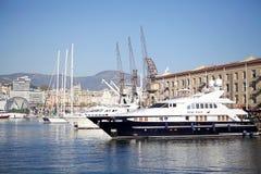 O porto velho de Genoa, Itália Fotografia de Stock