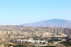 O povoado indígeno blanco Bentarique no deserto andaluz Fotografia de Stock