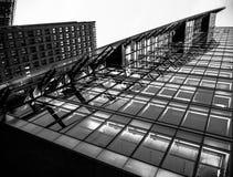 O prédio de escritórios diagonal, Potsdamer Platz imagem de stock royalty free