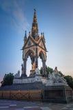 O príncipe Albert Memorial perto dos jardins de Kensington em Londres construiu em 1876 Foto de Stock
