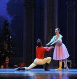 O príncipe caiu no amor com a quebra-nozes do bailado de Clara- Imagens de Stock Royalty Free
