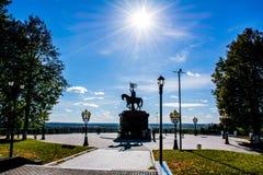 O príncipe Vladimir e Saint Fyodor do monumento, cidade de Vladimir, Rússia imagem de stock royalty free