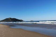 O Praia faz polis do ³ de Santinho - de FlorianÃ, Santa Catarina - Brasil Foto de Stock Royalty Free