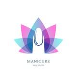 O prego fêmea na flor de lótus roxa sae do fundo Vector o logotipo, etiqueta, elemento do projeto do emblema Imagem de Stock