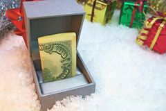 O presente do dinheiro Foto de Stock