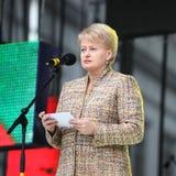 O presidente da república de Lituânia Dalia Grybauskaite está fazendo o discurso Foto de Stock Royalty Free