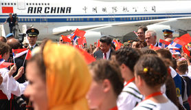 O presidente plano de Xi Jinping chinês aterrou no aeroporto de Nikola Tesla International de Belgrado Fotografia de Stock Royalty Free