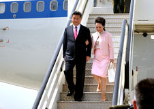 O presidente plano de Xi Jinping chinês aterrou no aeroporto de Nikola Tesla International de Belgrado Foto de Stock