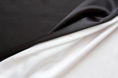 O preto e branco brilhante de seda bonito Fotografia de Stock Royalty Free
