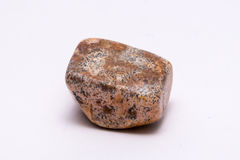 O preto marrom vermelho pontilhou brilhante precioso mineral da joia da gema de pedra preciosa Imagens de Stock