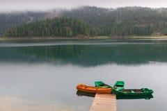 O preto molhou o lago da montanha Foto de Stock